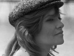 Glamorous actress Nathalie Delon dies