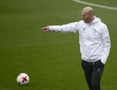 Zidane tests positive for COVID-19