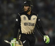 Hot Guptill leads New Zealand to T20 series win against Australia
