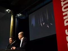 Pandemic embrace wins World Press Photo prize