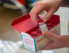 Thailand set to boost COVID-19 vaccinations, expects to approve Moderna shots
