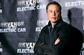 Tesla director contradicts Elon Musk's timeline for autonomous cars