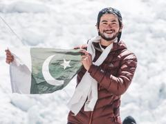 Kashif youngest person to summit K2