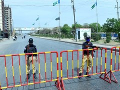 Sindh decides to impose lockdown in Karachi till August 8