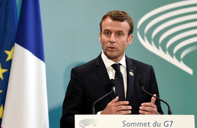 Macron hit with egg during restaurant fair visit