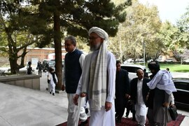 Qureshi holds 'result-oriented' talks during visit to Kabul