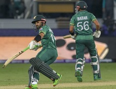 Chasing 152 against India, Pakistan at 43 for no loss in 6 overs