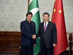 Pakistan, China agree on strengthening ties to overcome economic challenges