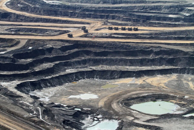 Syncrude oil sands project cuts April production to zero