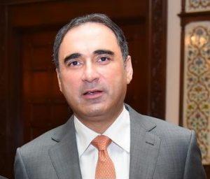 """Commerce Ministry should target bringing 50 big brands to Pakistan"""