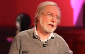 'SBP should provide critical reform assessments to politicians'