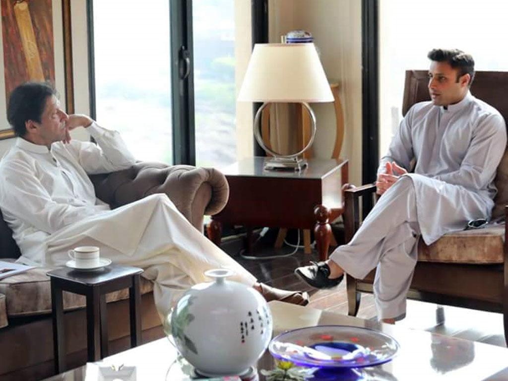 Disqualification case: SC serves notices to PM Imran Khan, Zulfi Bukhari -  Business Recorder