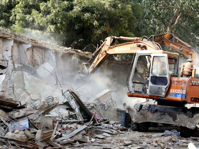 SC orders authorities to demolish all illegal constructions in Karachi