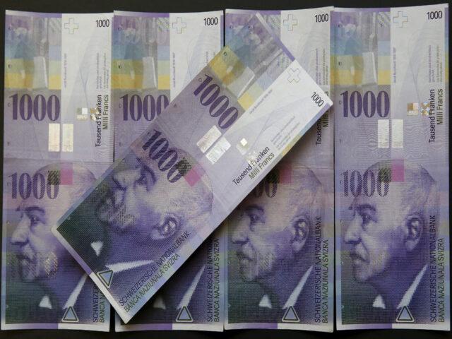 Swiss franc extends fall as markets eye US-China trade deal