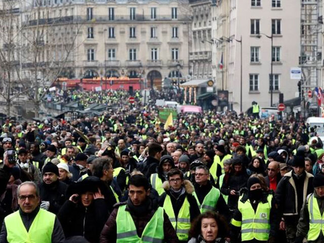French yellow vests hold national assembly
