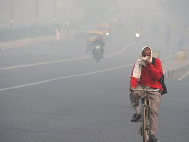 Schools closed today as smog chokes Lahore