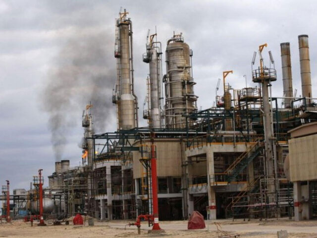 ADB urges Pakistan to reduce subsidies for oil-based power generation