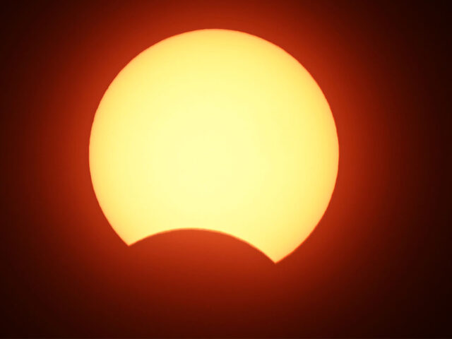 Solar eclipse descends upon Pakistan for first time in 20 years