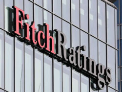 Fitch affirms Pakistan at 'B-' with stable outlook, forecast 2.8pc GDP growth in FY20