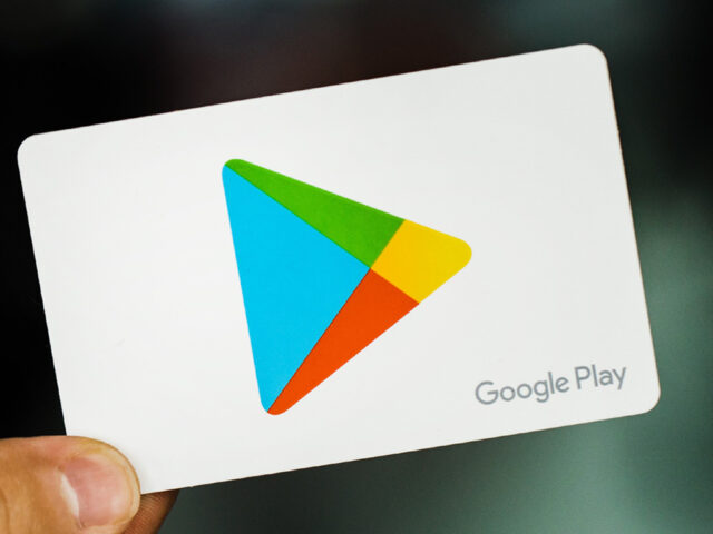 Popular Mideast app accused of spying back on Google Play