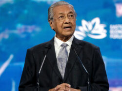 Mahathir Mohamad returns as Malaysia's interim prime minister