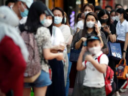 Thailand says it has successfully treated a Wuhan coronavirus patient by using HIV, flu drugs